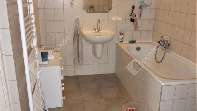 11. kép | 1 emeleti fürdő | Eladó Családi ház, Szombathely (#143559)
