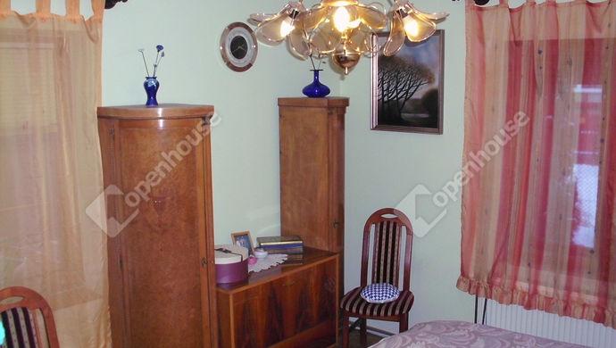 5. kép | Földszinti szoba | Eladó Családi ház, Debrecen (#135999)