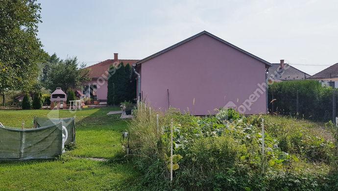 20. kép | Eladó Családi ház, Bőny (#141085)