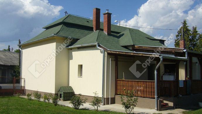 1. kép | Udvari nézet | Eladó Családi ház, Pókaszepetk (#140354)