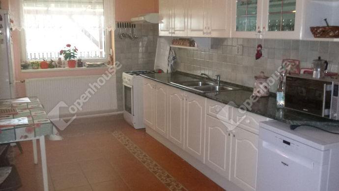 4. kép | konyha | Eladó Családi ház, Győr (#137910)