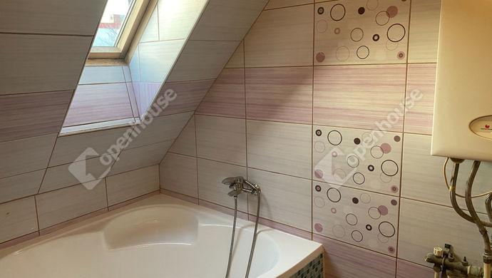 8. kép | sarokkádas fürdőszoba | Eladó Társasházi lakás, Sopron (#150258)
