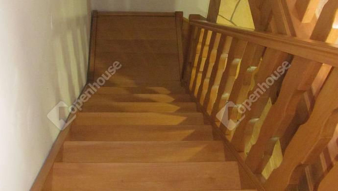 29. kép | Lépcső a tetőtérhez | Eladó Családi ház, Zalaegerszeg (#135304)