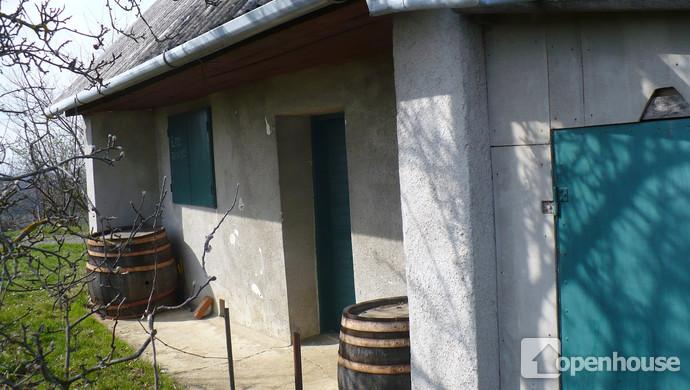 1. kép   Bejárat   Eladó Zárt kert, Nyőgér (#117521)