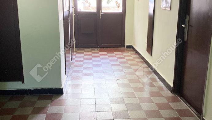 9. kép   Lépcsőház   Eladó Társasházi lakás, Tatabánya (#152201)