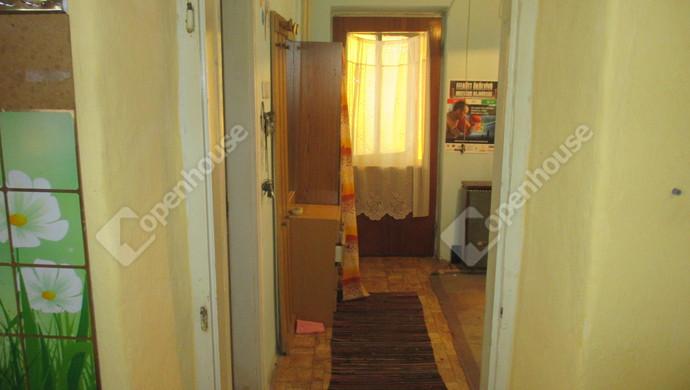 6. kép | közlekedő | Eladó Családi ház, Szolnok (#125448)