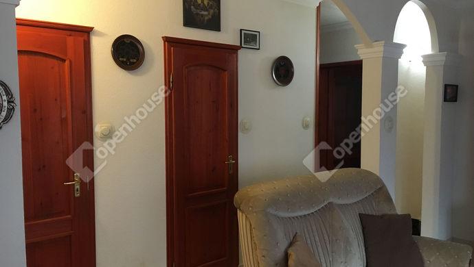 1. kép   Eladó Társasházi lakás, Szolnok (#143079)