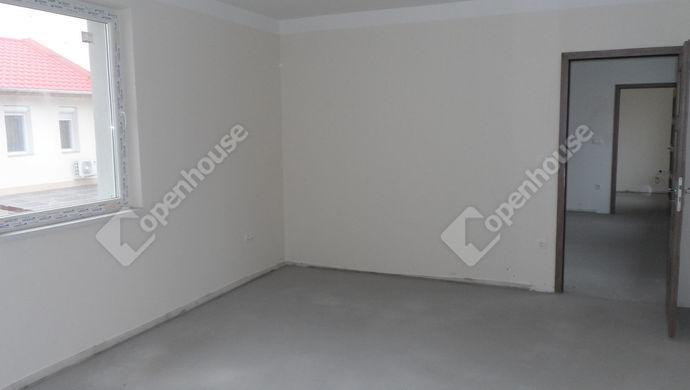 2. kép   Eladó Családi ház, Szolnok (#143700)