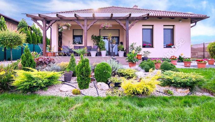 1. kép | Eladó nívós, újszerű családi ház, Székesfehérvár | Eladó Családi ház, Székesfehérvár (#140967)