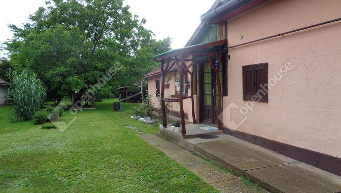 9. kép   udvar -kert   Eladó Családi ház, Gyomaendrőd (#146568)