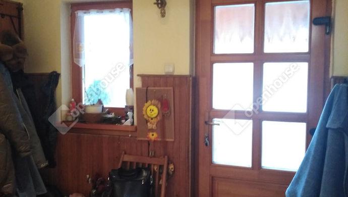 7. kép | Előszoba a nappaliból | Eladó Családi ház, Tatabánya (#136448)