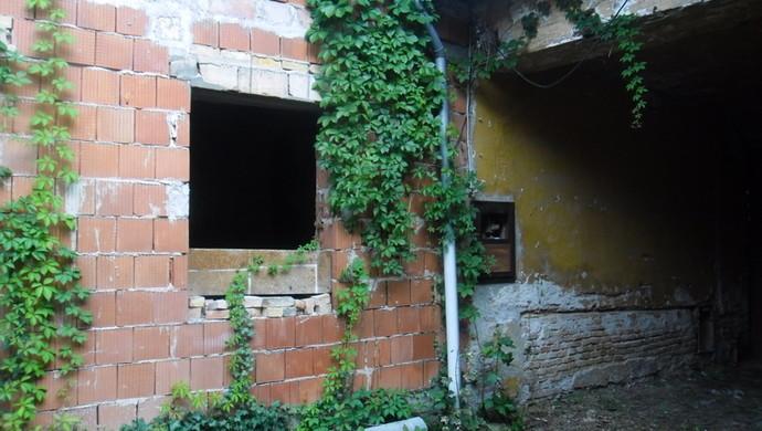 9. kép | A bejárat | Eladó Családi ház, Tata (#106618)