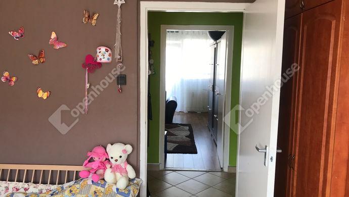 8. kép   szoba+közlekedő   Eladó Társasházi lakás, Szolnok (#138171)