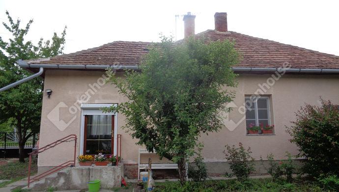 0. kép   udvari házrészlet   Eladó Családi ház, Gyomaendrőd (#146252)