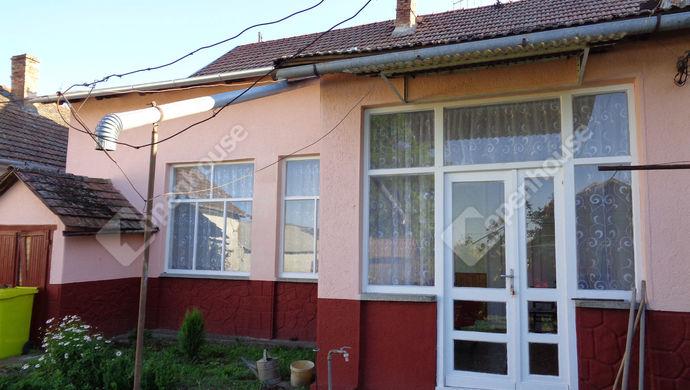 20. kép | utcai ház részlet | Eladó Családi ház, Magyarbánhegyes (#146996)