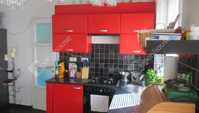 3. kép | amerikai konyha | Eladó Társasházi lakás, Szolnok (#132767)