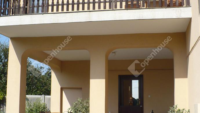 19. kép   Bejárat   Eladó Családi ház, Bük (#124391)