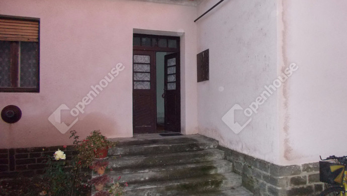 2. kép   Eladó Családi ház, Sárvár (#125789)
