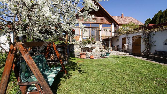 1. kép   Eladó családi ház, Székesfehérvár, Öreghegy   Eladó Családi ház, Székesfehérvár (#150736)