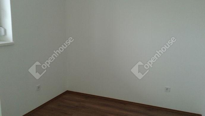6. kép | Kiadó Társasházi lakás, Rajka (#136825)