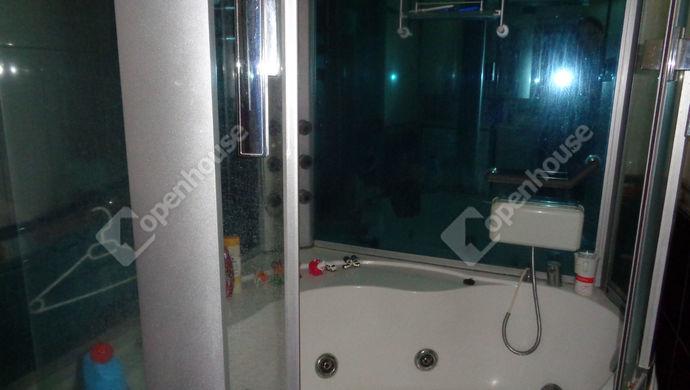 9. kép   fürdö   Eladó Társasházi lakás, Békés (#146601)
