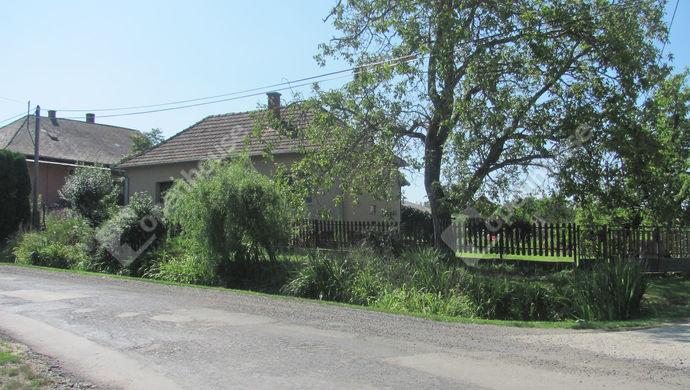 33. kép | Utcakép | Eladó Családi ház, Németfalu (#140990)