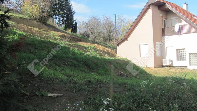 10. kép | Teraszos kert | Eladó Családi ház, Zalaegerszeg (#135304)