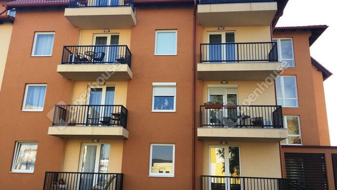 0. kép   Eladó Társasházi lakás, Tatabánya (#136243)