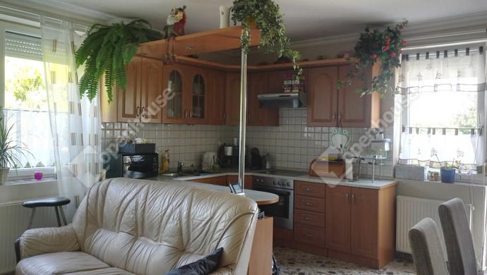 2. kép | Eladó Családi ház, Bezenye (#133050)
