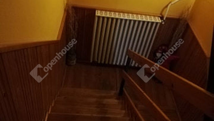 13. kép | lépcsőház | Eladó Családi ház, Békéscsaba (#146328)