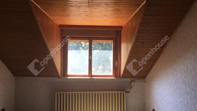 0. kép   emeleti szoba   Eladó Családi ház, Szolnok (#131944)