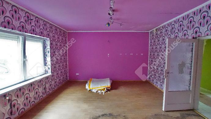 3. kép | Eladó felújítandó, bontandó családi ház, most a telekáron a Karinthy utcában | Eladó Családi ház, Székesfehérvár (#133848)