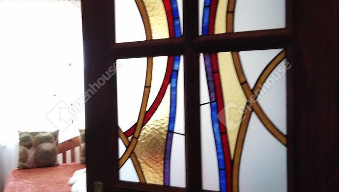 12. kép | Szépen festett szoba ajtó | Eladó Társasházi lakás, Tata (#141369)