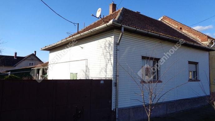 0. kép | Utcai nézet | Eladó Családi ház, Vésztő (#149955)