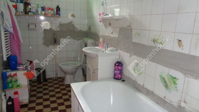 15. kép   fürdöszoba részlet   Eladó Családi ház, Gyomaendrőd (#146568)