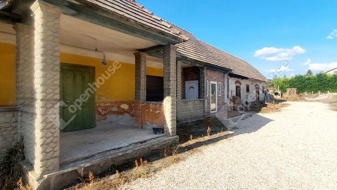 0. kép   Eladó Családi ház, Szomód (#153227)