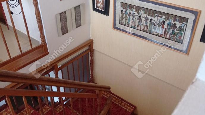 9. kép   Lépcsőház   Eladó Családi ház, Zalaegerszeg (#151321)