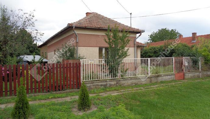 2. kép | Udvari homlokzat | Eladó Családi ház, Kaszaper (#146885)