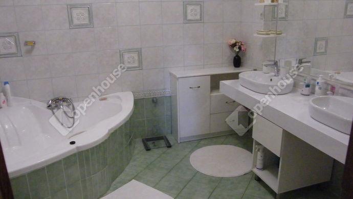 9. kép | fürdő | Eladó Családi ház, Zalaegerszeg (#140653)