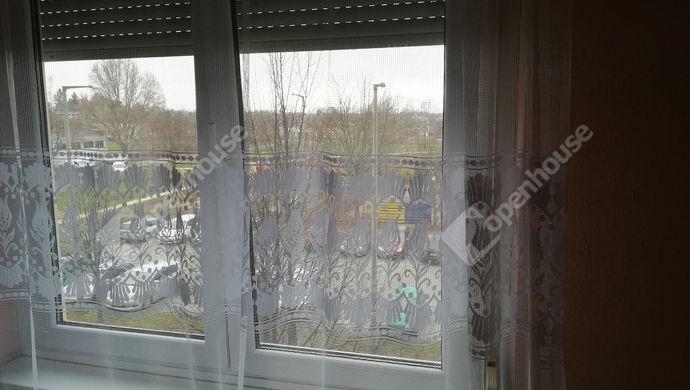 4. kép | Máltai játszótérre néznek az ablakok | Eladó Társasházi lakás, Tatabánya (#135636)
