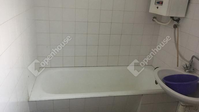 8. kép   fürdő   Eladó Családi ház, Szolnok (#131944)