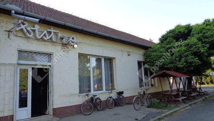 6. kép | utca vendégláto egység | Eladó Vendéglátó egység, Magyarbánhegyes (#146997)