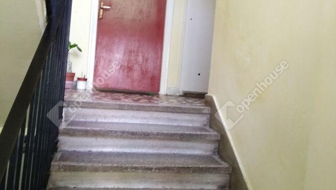 1. kép   Lépcsőház   Eladó Társasházi lakás, Zalaegerszeg (#140420)