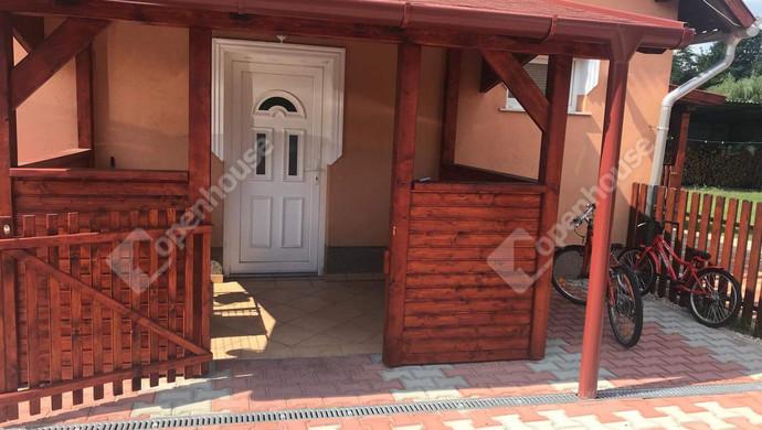 23. kép | Bejárat | Eladó Családi ház, Tatabánya (#130991)