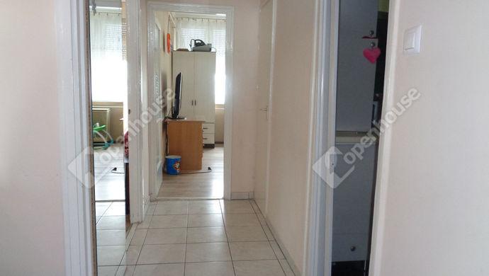 2. kép   Közlekedő   Eladó Társasházi lakás, Békés (#146601)