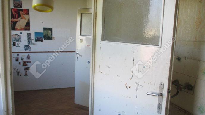 6. kép | konyha+étkező | Eladó Társasházi lakás, Szolnok (#134159)