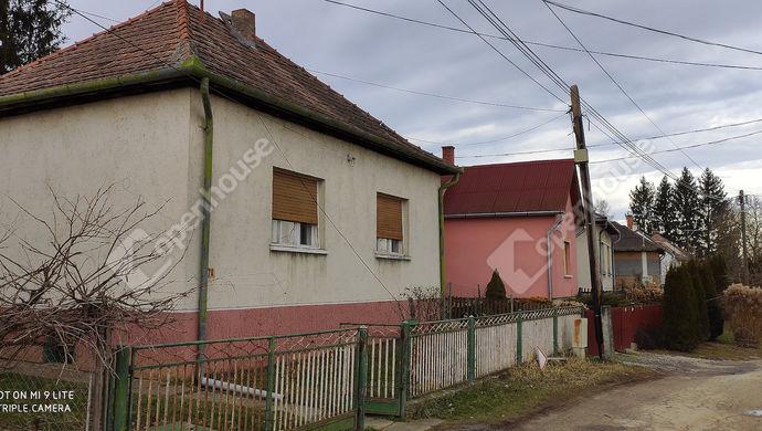 0. kép | Utcai nézet | Eladó Családi ház, Nova (#144457)