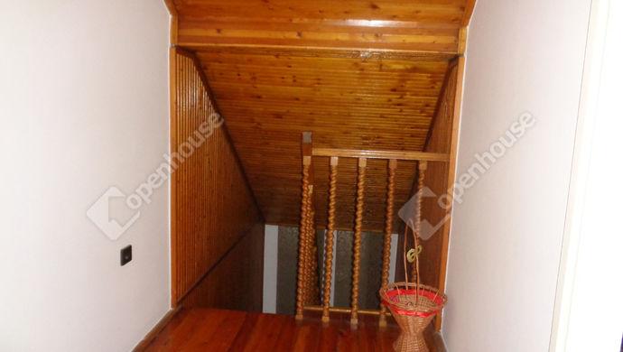 25. kép   emeleti lépcsö feljáró   Eladó Családi ház, Békés (#146271)