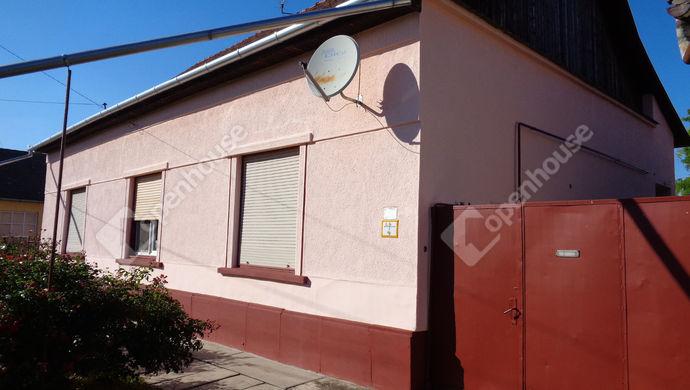 16. kép | utcai házrészlet | Eladó Családi ház, Magyarbánhegyes (#146996)