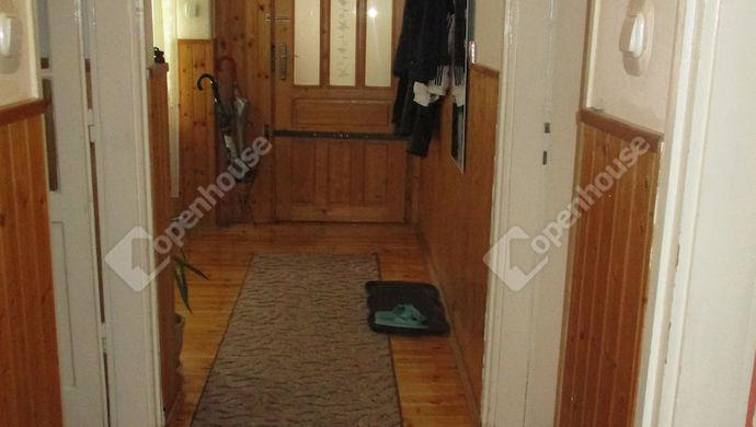 1. kép | közlekedő | Eladó Családi ház, Szolnok (#134671)